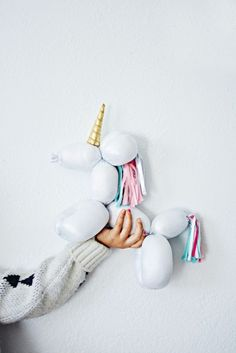 DIY Balloon Stuffed Animal Unicorn