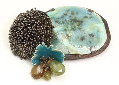 By Karen Gilbert. Enamel Jewelry, Metal Jewelry, Pendant Jewelry, Jewelry Crafts, Jewelry Art, Jewelry Ideas, Jewellery Box, Brooches Handmade, Contemporary Jewellery