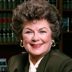 "Barbara Hale - January 2017 Age 94 - played Della Street on ""Perry Mason"" Mason Raymond, Raymond Burr, Celebrity Deaths, Celebrity Photos, Perry Mason Tv Series, Celebrities Then And Now, Famous Women, Famous People, Classic Movie Stars"