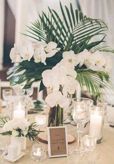 Tropical Wedding Centerpieces, Beach Wedding Favors, Wedding Flower Arrangements, Wedding Reception Decorations, Diy Wedding, Centerpiece Flowers, Wedding Ideas, Centerpiece Ideas, Beach Weddings