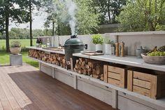WWOO buitenkeuken ontwerp van Piet-Jan van den Kommer - met accessoires zoals de Big Green Egg, een was- en/of vuurbak, een weber, etc.