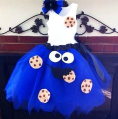 Super cute adult Cookie Monster costume! Would be funny to go w a big group of adults dressed as Sesame Street!:
