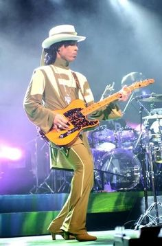 Prince in Detroit, Hit and Run tour Blues Rock, Billy Holiday, Princes Fashion, Pictures Of Prince, Prince Images, The Artist Prince, Hip Hop, Prince Purple Rain, Paisley Park