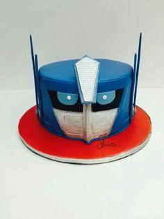 #itsbakedbyjulitta  Optimus Prime ( Transformer )