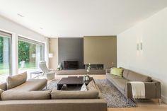 Woonkamer van een woonhuis met rieten dak #architecture #interior #livingroom