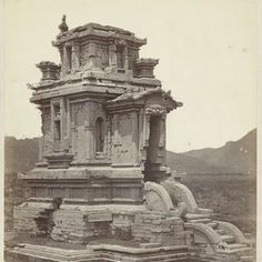 Candi Puntadewa, general view with the staircase projection (west). Dieng plateau Wonosobo district, Central Java province 8th-9th century, Isidore van Kinsbergen, 1864 - Rijksmuseum