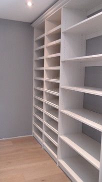 Hers, 'Diva White' finish, Walk In Closet, Shoes, Lancaster Profile, Crown Moulding