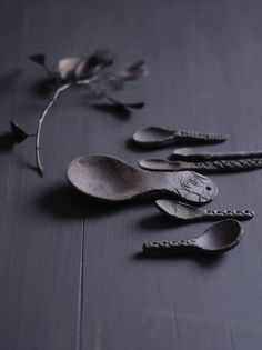 Hand shaped ceramic spoons by Ragnhild Wik Photo: Siren Lauvdal Styling: Kirsten Visdal Ceramic Spoons, Hand Shapes, Wabi Sabi, Oslo, Ceramics, Detail, Tableware, Crafts, Inspiration