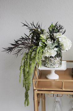 floral arrangement | Bakman Floral Design is a family owned operated florist in South Lyon, MI committed to offering the finest floral arrangements gifts, backed by service that is friendly prompt! Call (248) 437-4168 or visit www.southlyonflorist.com for more info!