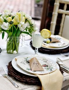 40 Easter Table Décor Ideas To Make This Family Holiday Special   DigsDigs