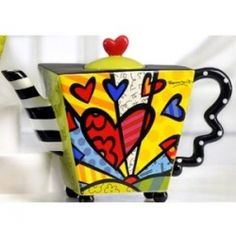 The original poster must have this pot as I do not. -- eaf <3 I have this teapot..Valentines gift..Love it