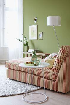 Bamboo ist wie große Ferien: hell, erholsam und sonnig. Ein Traum von Erholung im Liegestuhl, mitten im freundlichen Grün des Frühsommers.