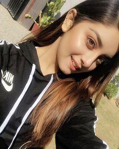 Stylish Girls Photos, Stylish Girl Pic, Girl Photos, Cool Girl Pic, Cute Girl Photo, Most Beautiful Bollywood Actress, Asian Model Girl, Pakistani Girl, Cute Girl Poses