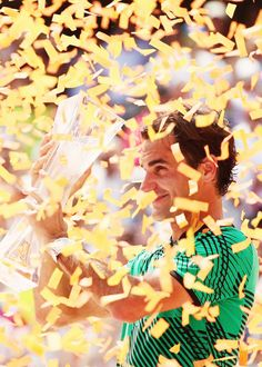 Roger Federer defeats Rafael Nadal 6-3 6-4 in the Miami Open final, to claim his 3rd title in Miami, 1st in 11 years (since 2006), 26th masters 1000 crown, and 91st career title. He completes the...