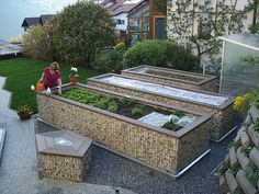 raised garden beds OMG! LOVE THIS!!!!