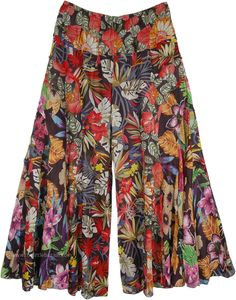 Gypsy Floral Cotton Pants Divided Skirt - - Gypsy Floral Cotton Pants Divided Skirt My Look Gypsy Floral Cotton Pants Divided Skirt Skirt Pants, Shorts, Harem Pants, Divided Skirt, Gypsy Pants, Boho Pants, Look Fashion, Fashion Tips, Classy Fashion