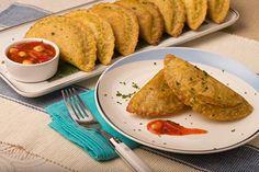 Receta de Empanadas de verde rellenas con camarón - PRONACA Food And Drink, Mexican, Favorite Recipes, Dishes, Ethnic Recipes, Ecuadorian Recipes, Married Life, Ideas Para, Manicure