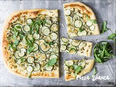 Try Pizza bianca by FOOBY now. Or discover other delicious recipes from our category main dish. Pizza Bianca Recipe, Pizza Recipes, New Recipes, Food Trends, Tray Bakes, Cooking Time, Vegetable Pizza, Food Print, Main Dishes