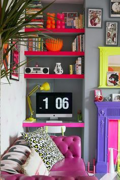 Grey with pops of neon Funky Home Decor, Eclectic Decor, Colorful Decor, Colorful Interiors, Deco Studio, Colorful Apartment, Colourful Living Room, Funky Living Rooms, Decoration Bedroom