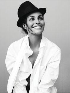 white shirt...black hat. classy