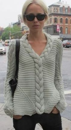 Women's Hand Knit V-neck Sweater – Kleidung selber machen - Trend Knitwear Fashion, Knit Fashion, Fashion Women, Style Fashion, Fashion Design, Hand Knitted Sweaters, Crochet Clothes, Hand Knitting, Knit Crochet