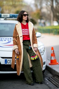 Our Top 20 Street Style Looks From Paris - Fashionista Autumn Street Style, Street Style Looks, Street Style Women, Street Styles, Cool Street Fashion, Street Chic, Paris Fashion Week 2016, Fashion Idol, Moda Paris