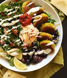 The ULTIMATE Mediterranean Bowl with hummus, falafel, tahini sauce, olives, and – Flexitarian Diet Mediterranean Bowls, Easy Mediterranean Diet Recipes, Clean Eating, Healthy Eating, Healthy Meals, Eating Vegan, Vegan Meals, Healthy Cooking, Vegan Recipes