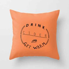 A pillow that knows your weekend plans.
