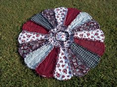 Texas A&M Daisy Rag Quilt would be a great gift to your Aggie couple on their wedding day!  Follow thehowdyweddingguide on Instagran for more Aggie wedding shares!