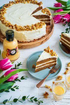 Healthy Cream Cheese, Cake With Cream Cheese, Chocolate Cake Recipe Easy, Homemade Chocolate, Frosting Recipes, Cake Recipes, Cookies And Cream Frosting, Homemade Sugar Cookies, Eggnog Recipe