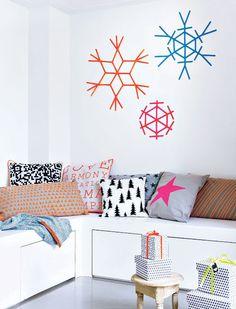 Geef je huis met kerst een modern en urban tintje. Deze sneeuwvlokjes in fluo kleurtjes stralen van de muur af en zijn echte blikvangers! Het feest kan beginnen!