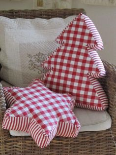Red and white Christmas cushions by shopportunity Christmas Sewing, Christmas In July, Country Christmas, All Things Christmas, White Christmas, Christmas Ornaments, Christmas Quilting, Beautiful Christmas, Christmas Decorations Sewing
