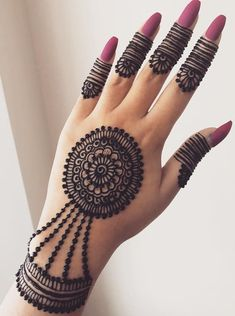 Finding the best Arabic Mehndi Designs - Check out the latest collection of Arabic Mehendi design images and photos for this year. Arabic mehndi designs are the most beautiful designs that are in demand. Henna Hand Designs, Latest Mehndi Designs, Round Mehndi Design, Mehndi Designs Finger, Mehandi Design For Hand, Henna Tattoo Designs Simple, Mehndi Designs For Kids, Mehndi Designs Feet, Simple Arabic Mehndi Designs
