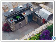 BBQ Area - I love these - BBQ Grill/Patio-Bar and Fridge right there...PERFECT