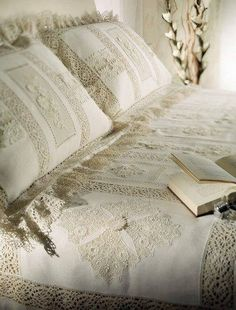 Love the Vintage Shabby Chic sheets! old linen and lace Lace Bedding, Floral Bedding, Linen Duvet, White Bedding, Lace Pillows, Vintage Bedding, Shabby Vintage, Bed Pillows, Linens And Lace
