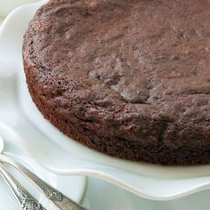 Gluten Free Kladdkaka - a chocolatey cake from Sweden that you HAVE to try.