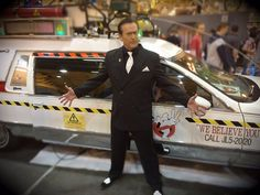 Bruce Campbell and Ecto1 at Wizard World New Orleans Jan-16