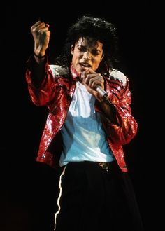 【ELLEgirl】マイケル・ジャクソンが最も稼いだ亡くなったセレブに!|エル・ガール・オンライン