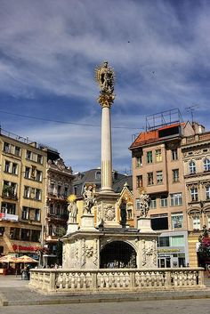 náměstí svobody - morový sloup - Brno - česká republika Czech Republic, Big Ben, Building, Travel, Prague, Viajes, Buildings, Destinations, Traveling