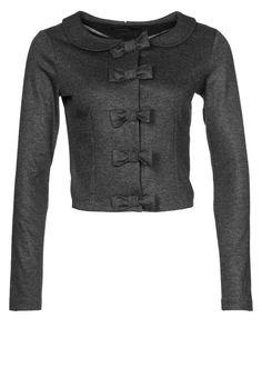"Supertrash, ""Bows"" Inspirational.    Nice idea for jacket"