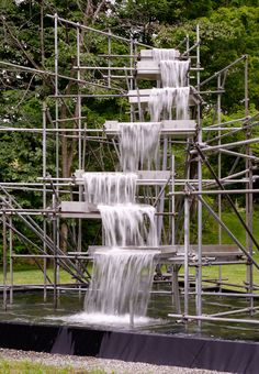 Olafur Eliasson Waterfall installation at the Hall Art Foundation Temporary Architecture, Landscape Architecture, Water Sculpture, Sculpture Art, Design Despace, Instalation Art, Olafur Eliasson, Waterfall Features, Fountain Design