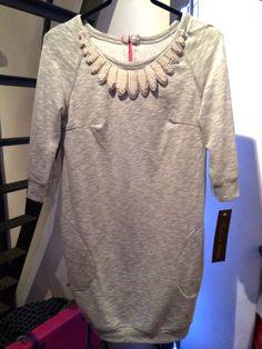 abito-felpa con embellished collar