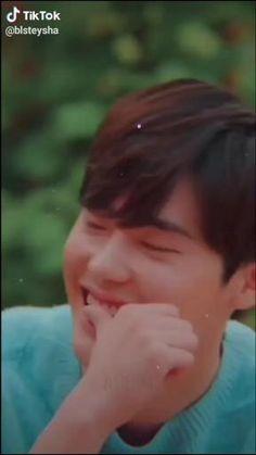 Lee Jong Suk Wink, Lee Jong Suk Hot, Lee Dong Wook, Lee Joon, Lee Jong Suk Funny, Korean Drama Songs, Korean Drama Best, W Two Worlds Wallpaper, Lee Jong Suk Wallpaper