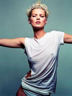 Kate Moss' Best Beauty Secrets: http://www.realstylenetwork.com/news/beauty/2014/01/kate-moss-best-beauty-secrets/