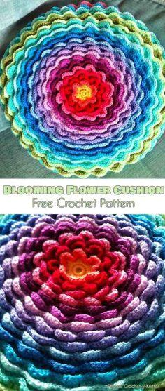 Blooming Flower Cushions Free Pattern #feecrochetpatterns #crochetpillow