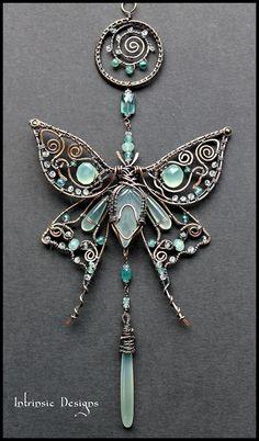 """Chalcedony """"Silk Moth"""" Suncatcher -- Intrinsic Designs (Cathy Heery) #wirejewelry"""