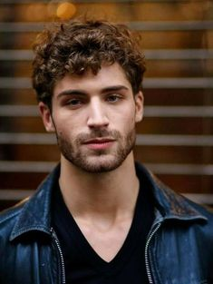 awesome Short curly haircuts male Informations About Short curly haircuts male Haircuts For Curly Hair, Curly Hair Men, Boy Hairstyles, Curled Hairstyles, Haircuts For Men, Haircut Men, Celebrity Hairstyles, Guys With Curly Hair, Mens Short Curly Hairstyles
