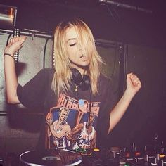 ALISON WONDERLAND - AWESOME BEATS BIGGEST GIRL CRUSH