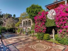 Houdini Estate - Historical Private Estate in Hollywood Hills - Hollywood Hills West Airbnb California, Stay In A Treehouse, Airstream Land Yacht, Hillside Villas, Laurel Canyon, Hollywood Hills, Romantic Getaway, Pirates Of The Caribbean, Beautiful Landscapes
