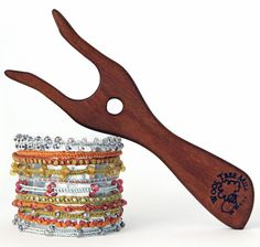 Make the Challenge Bracelet with lucet cords. You will learn these 6 cords as part of my 7 Day Lucet Challenge. Pin Weaving, Card Weaving, Tablet Weaving, Loom Weaving, Crochet Fabric, Knit Crochet, Hippie Crafts, Spool Knitting, 7 Day Challenge